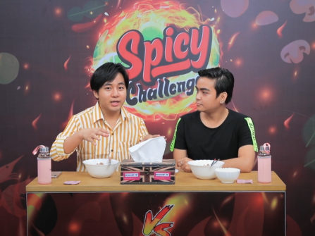Heavy Phyo & Ei si Kway (Spicy Challenge)
